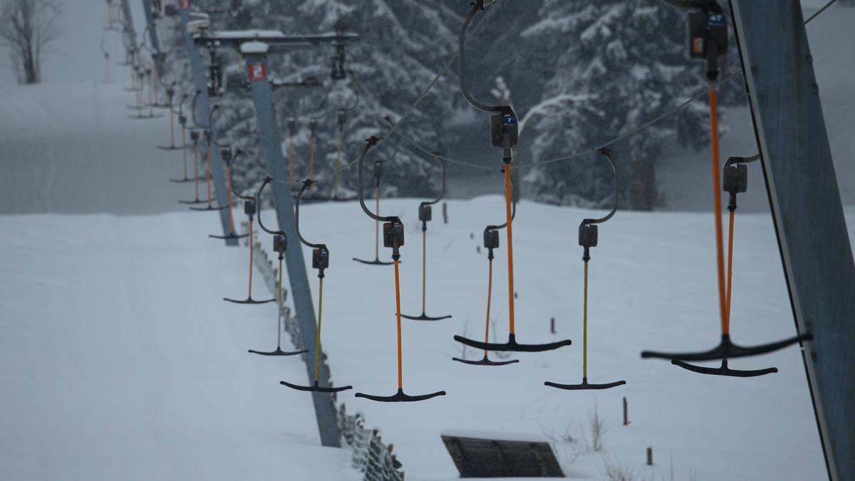 Was in Bayern verboten ist, ist in Baden-Württemberg möglich: Skilift-Betrieb mit Schleppliften.