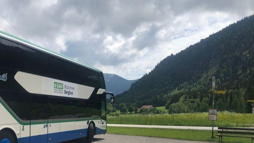 Münchner Bergbus bringt Wanderer entspannt in die Alpen