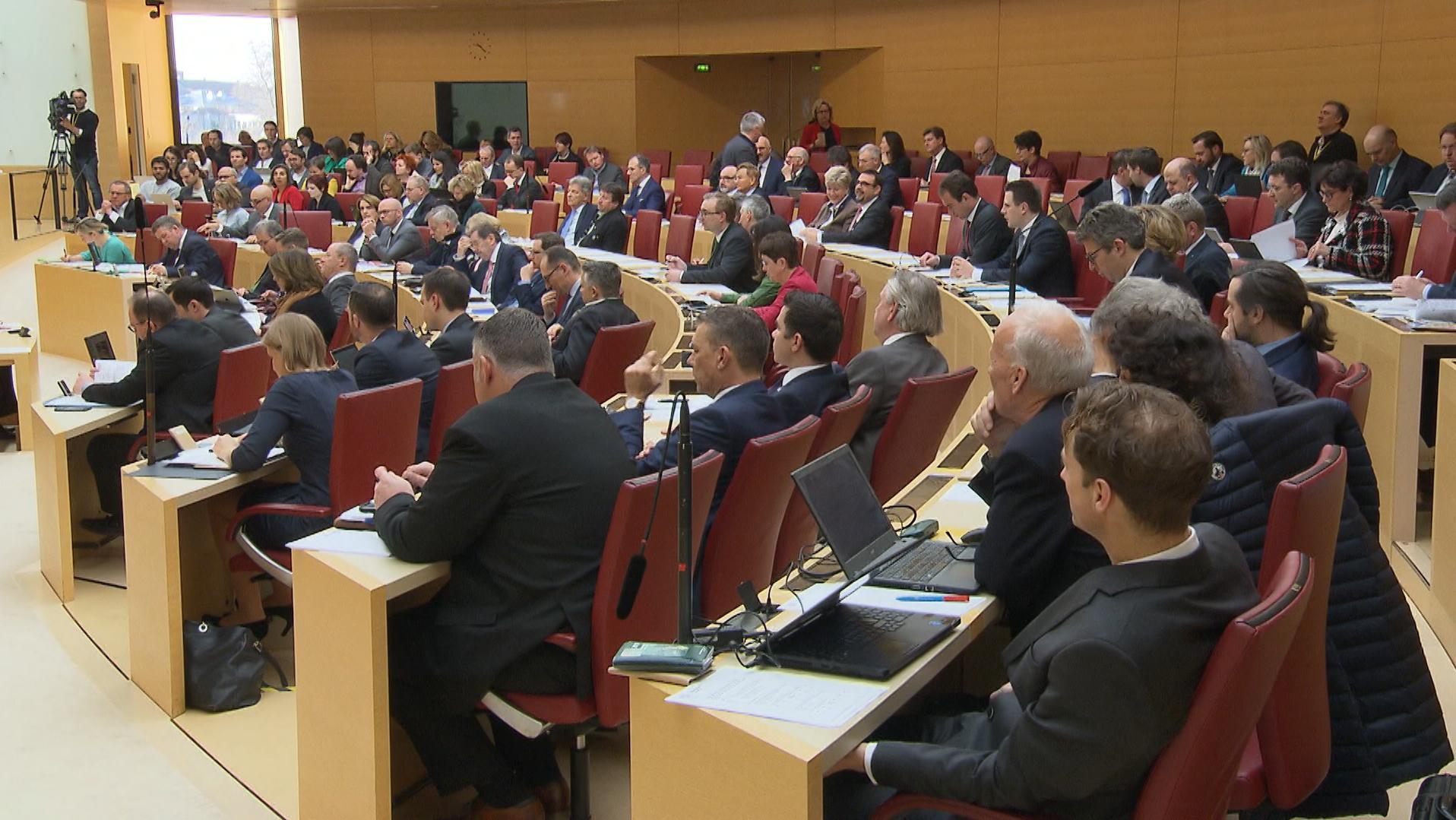 Klimaschutz: Streit um Verfassungsänderung im Bayerischen Landtag