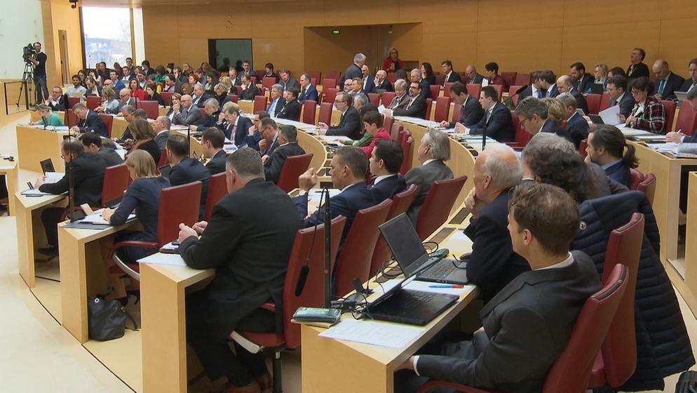 Klimaschutz: Streit um Verfassungsänderung im Bayerischen Landtag | Bild:BR