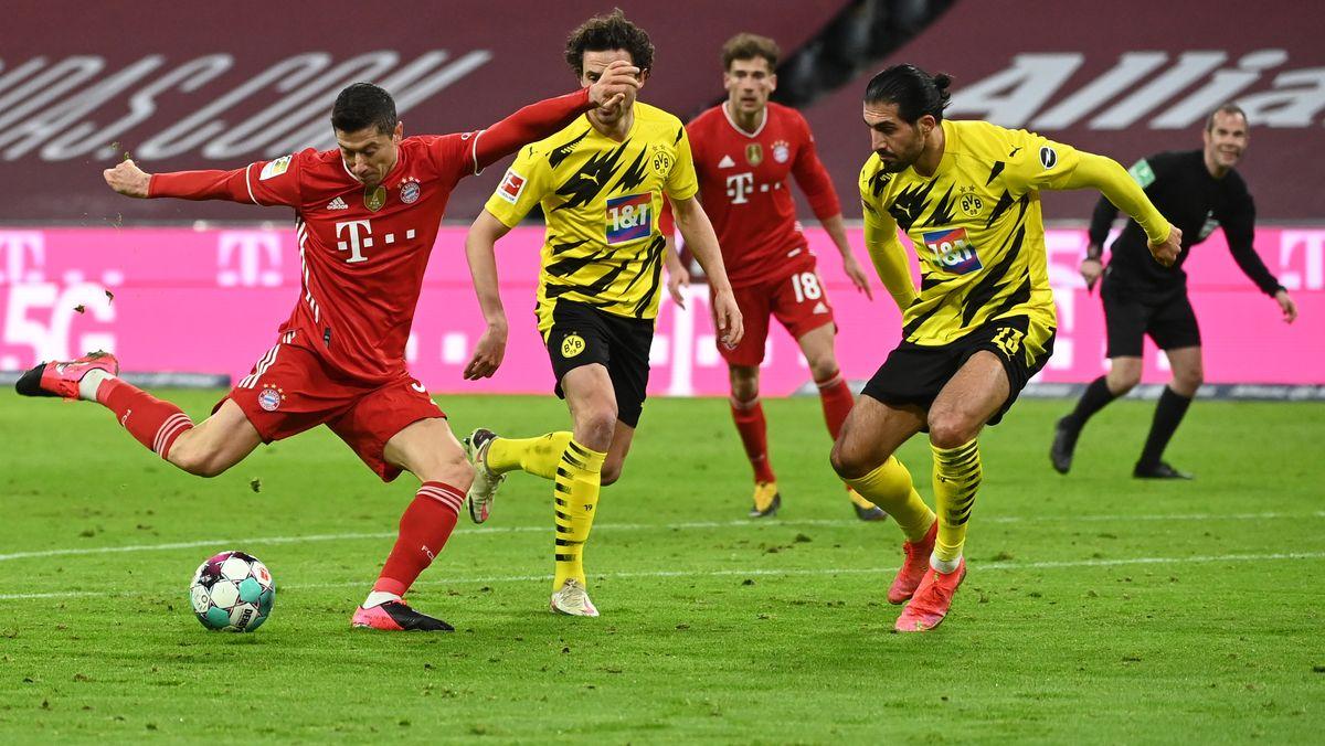 Spielszene Bayern - Dortmund