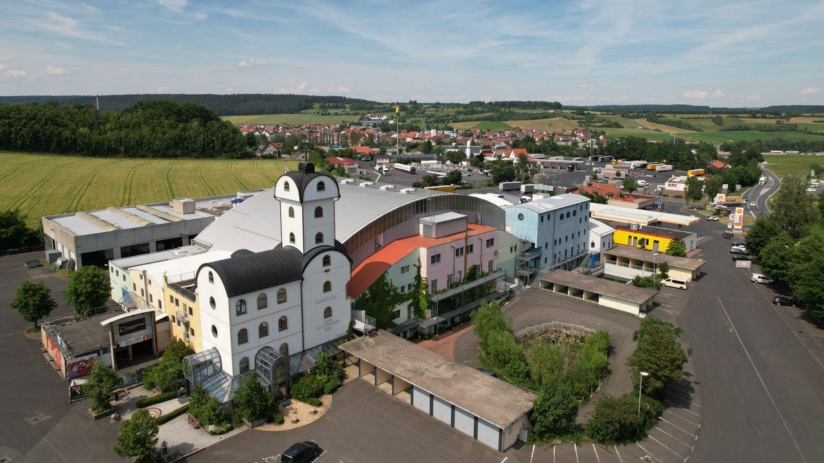 Luftbild der Autobahnkirche Geiselwind