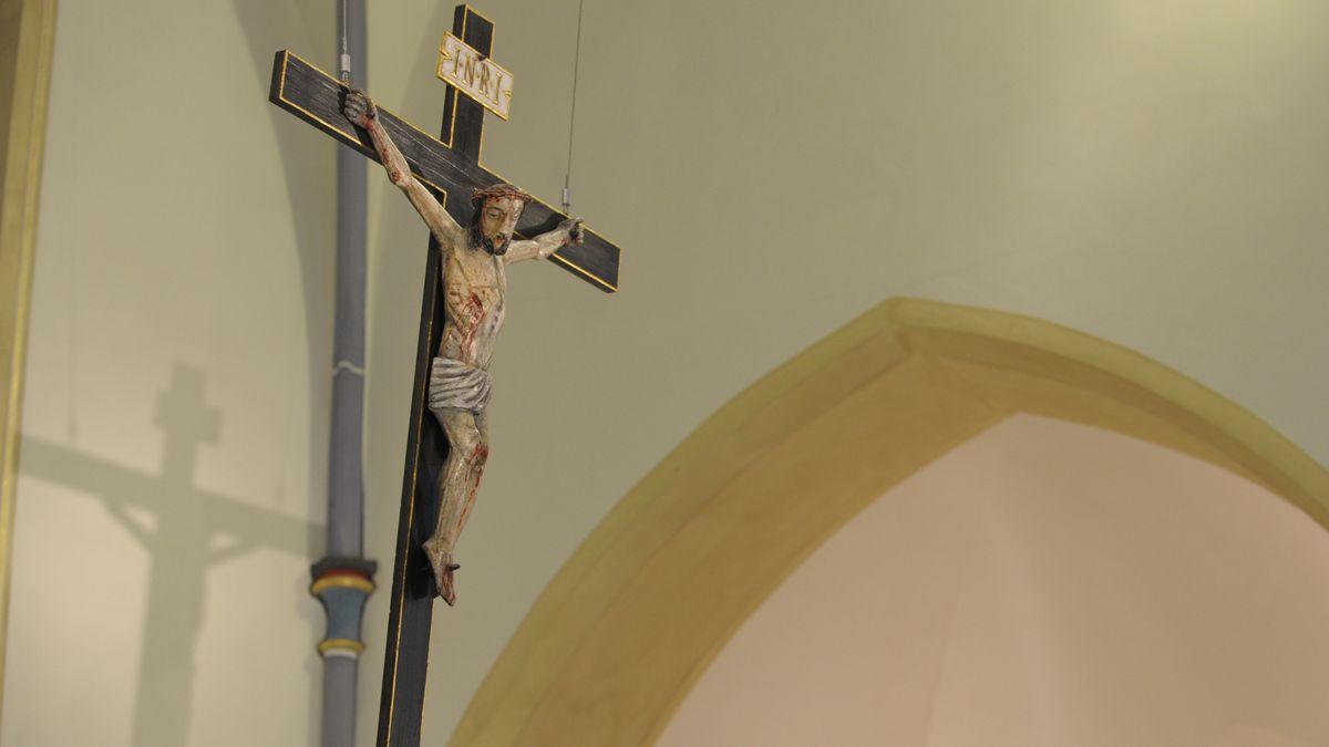 Kruzifix in Gotteshaus (Symbolbild)