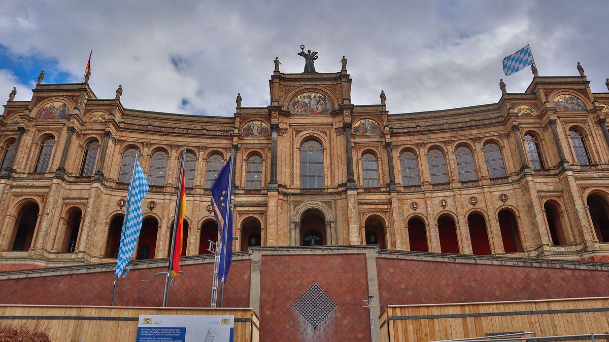 Maximiilaneum in München