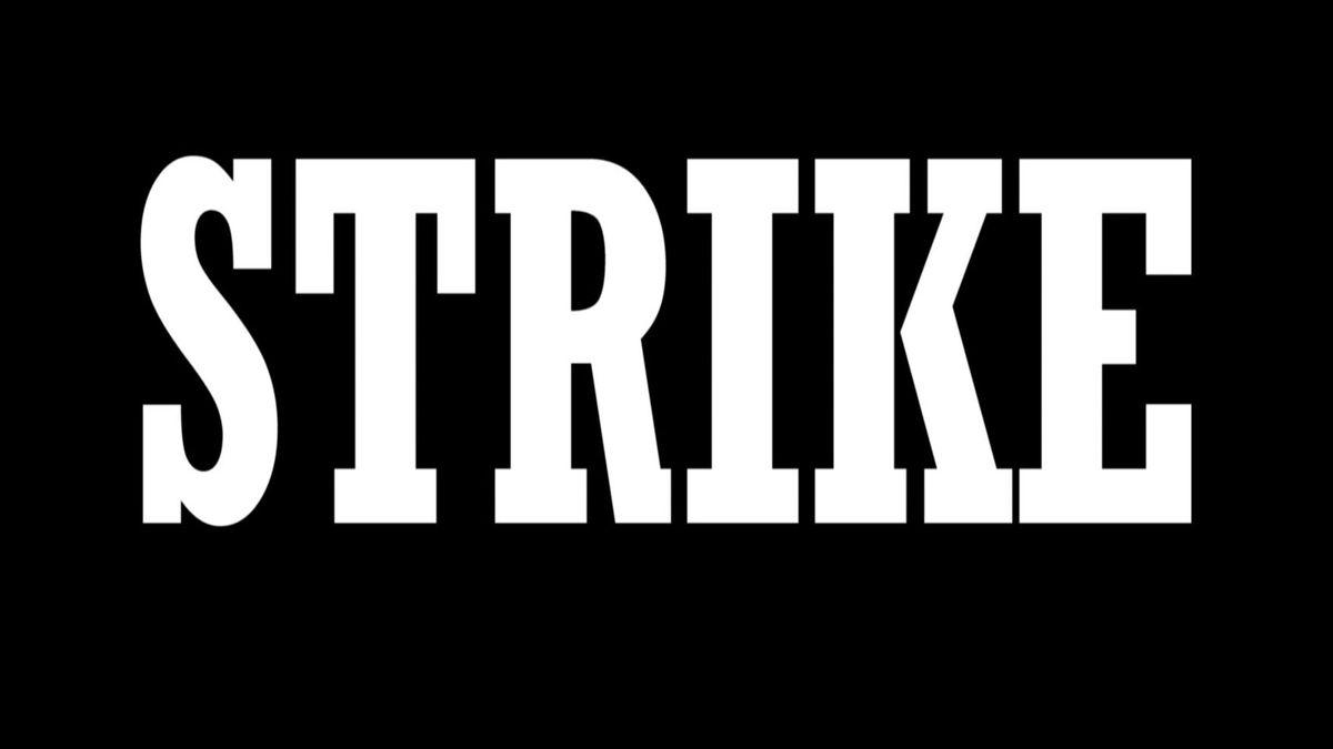 """Schwarzer Bildschirm mit dicker Aufschirt """"Strike"""""""