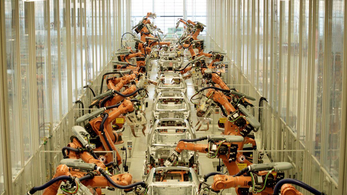 Montagelinie in der Autoproduktion