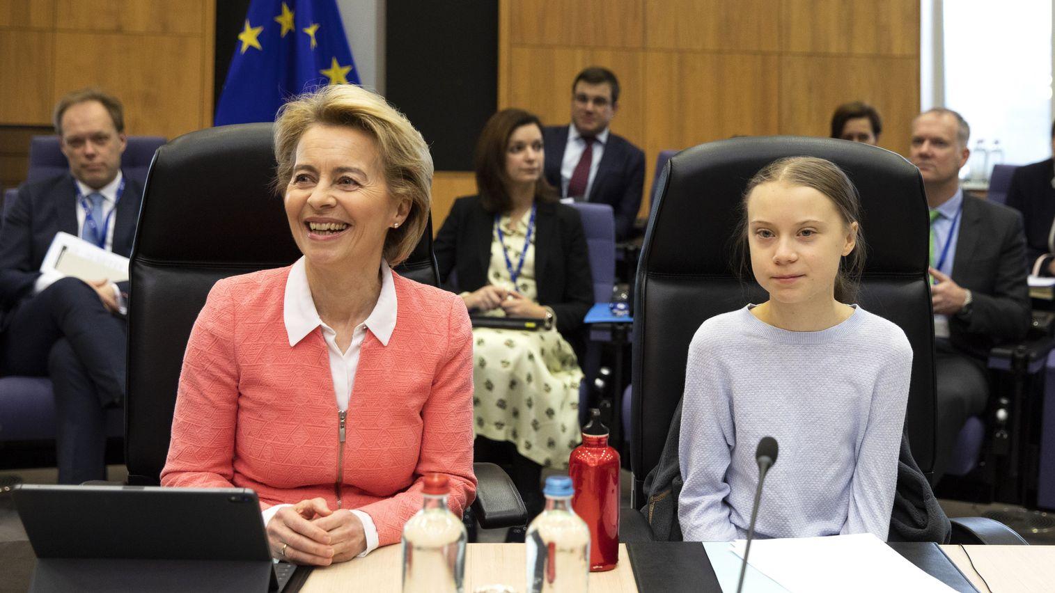 Greta Thunberg (r) und Ursula von der Leyen, Präsidentin der Europäischen Kommission, in Brüssel