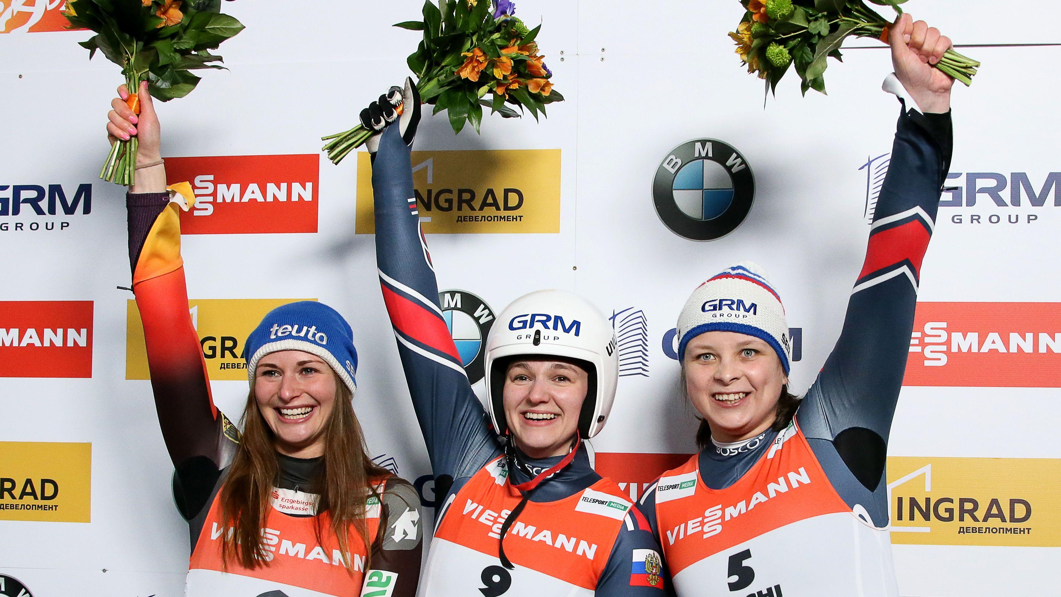 Rang zwei für Julia Taubitz (l.), neben der Siegerin Jekatarina Katnikowa.