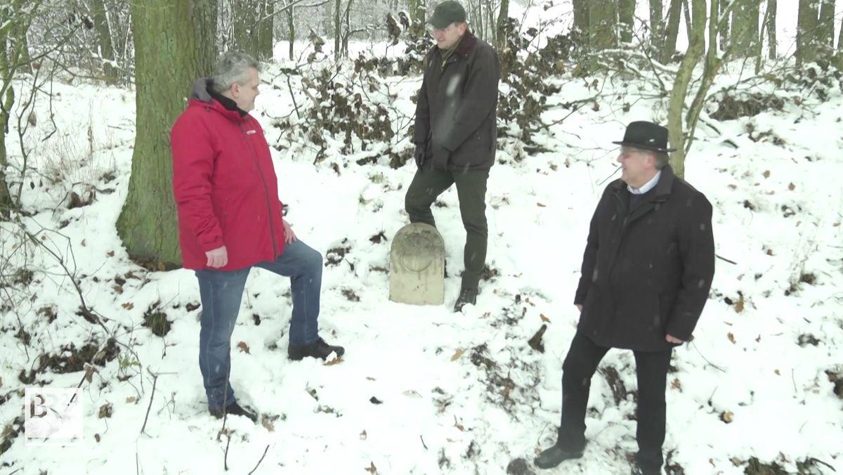 Historische Grenzsteine in Rothenburger Landhege gehoben
