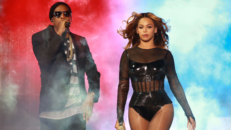 Beyoncé mit Ehemann Jay Z bei einem Auftritt in Paris 2014.
