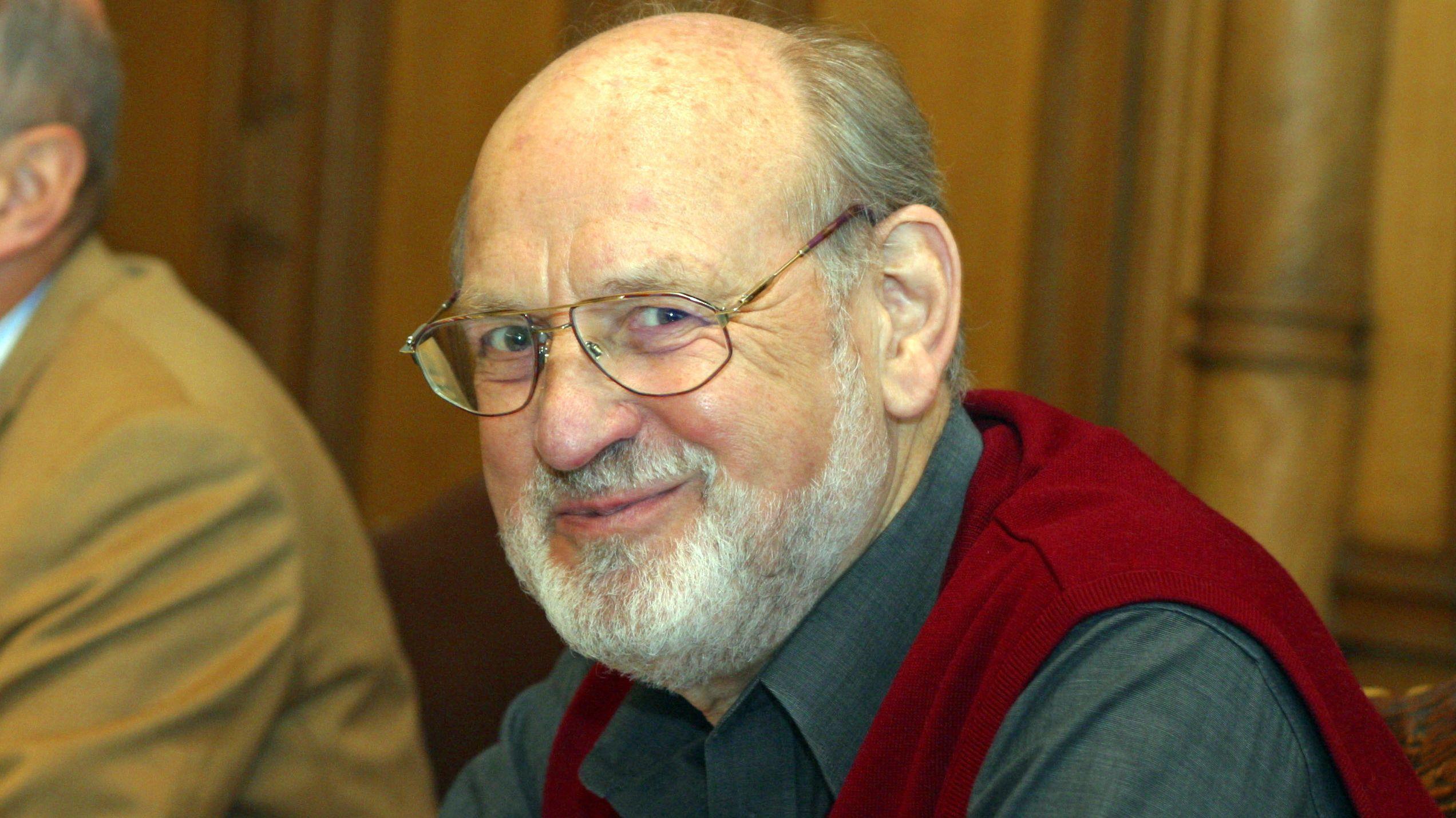 In Regensburg war Schnetz von 1968 bis 1973 Kulturdezernent
