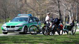 Auch im Englischen Garten in München musste die Polizei ausrücken. | Bild:Picture Alliance/Sven Hoppe