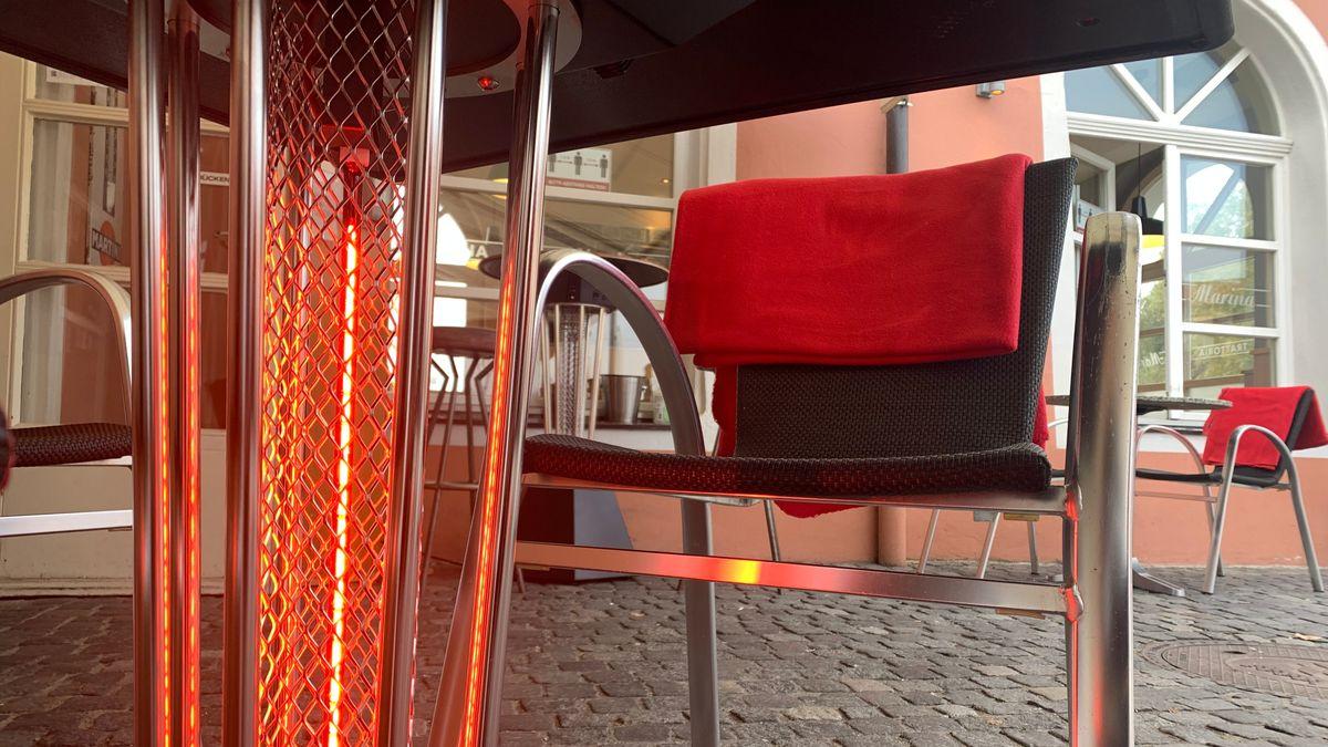 Heiztisch vor dem Restaurant Marina in Regensburg