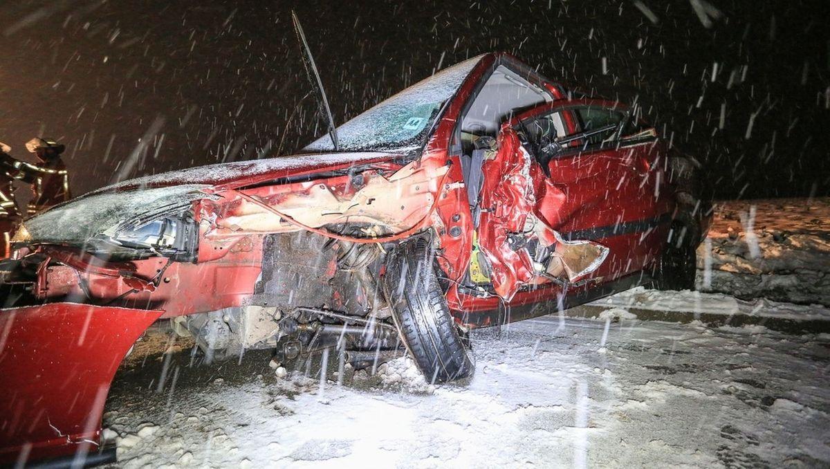 Eines der zerstörten Fahrzeuge.