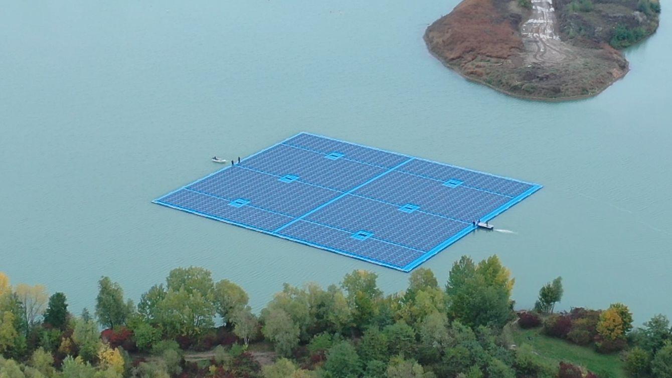 Schwimmendes Solarkraftwerk bei Dettelbach