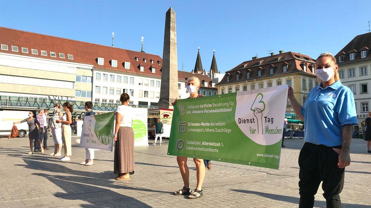 """Erste """"Dienst-Tag für Menschen""""-Demo am Unteren Markt in Würzburg"""