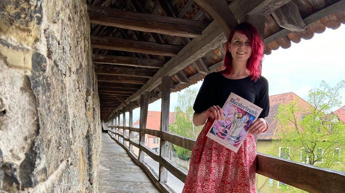 "Autorin Carmen Hiller präsentiert ihren Comic ""Der Meistertrunk""."