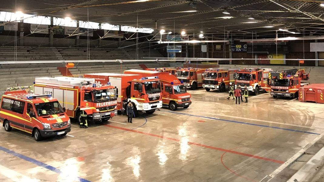 Die Kaufbeurer Feuerwehr im Eisstadion