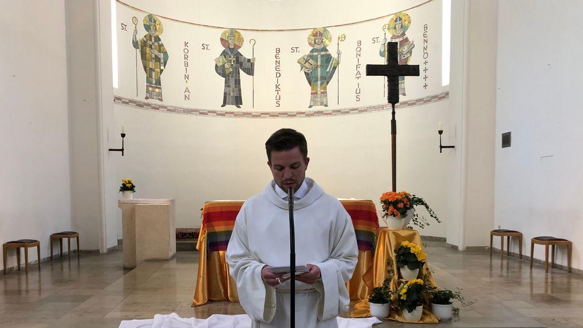 Henry Frömmichen in der Münchner Kirche St. Bonifaz.