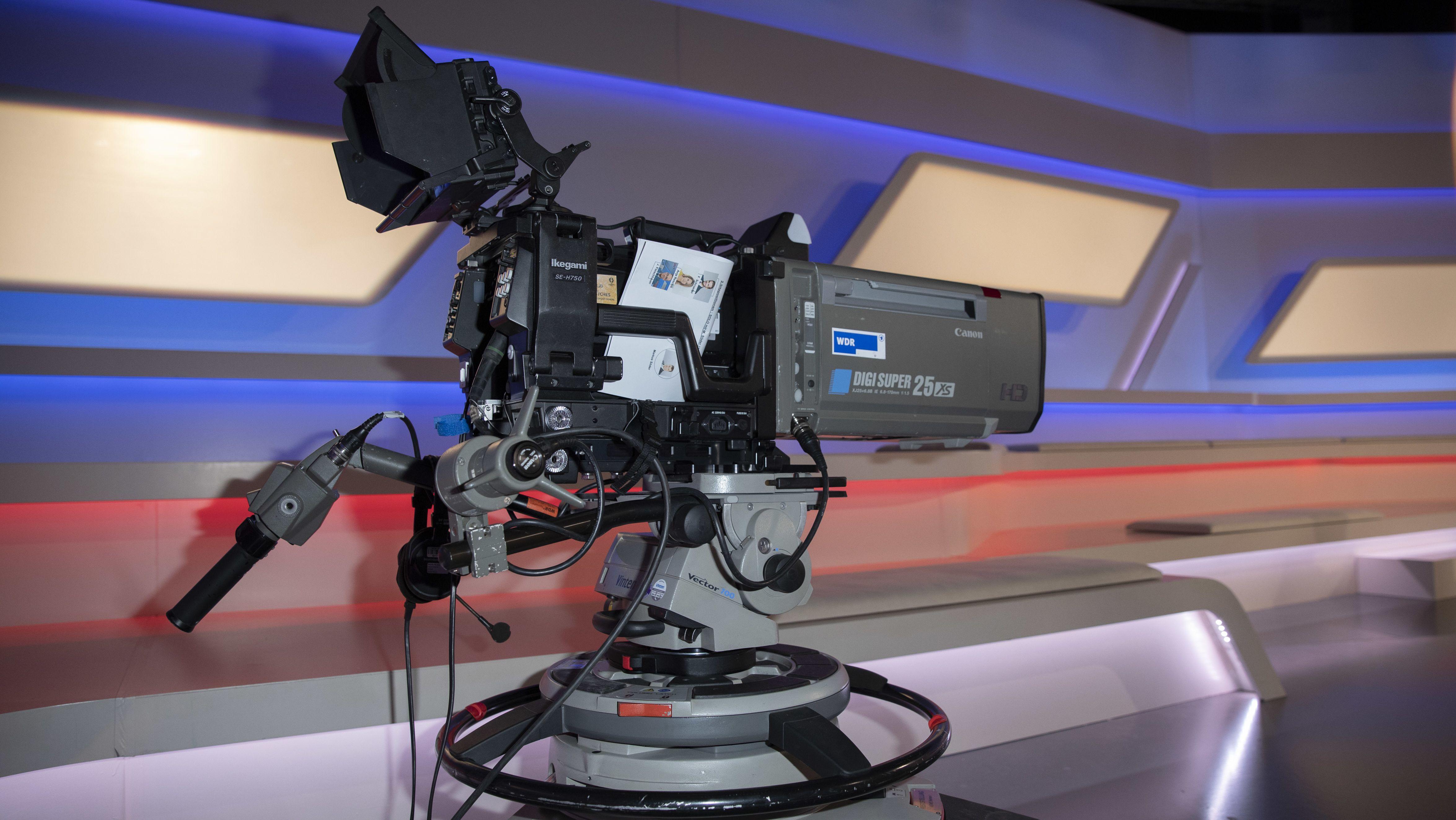 Kamera im Kamera im Maischberger Talkshow-Studio der ARD