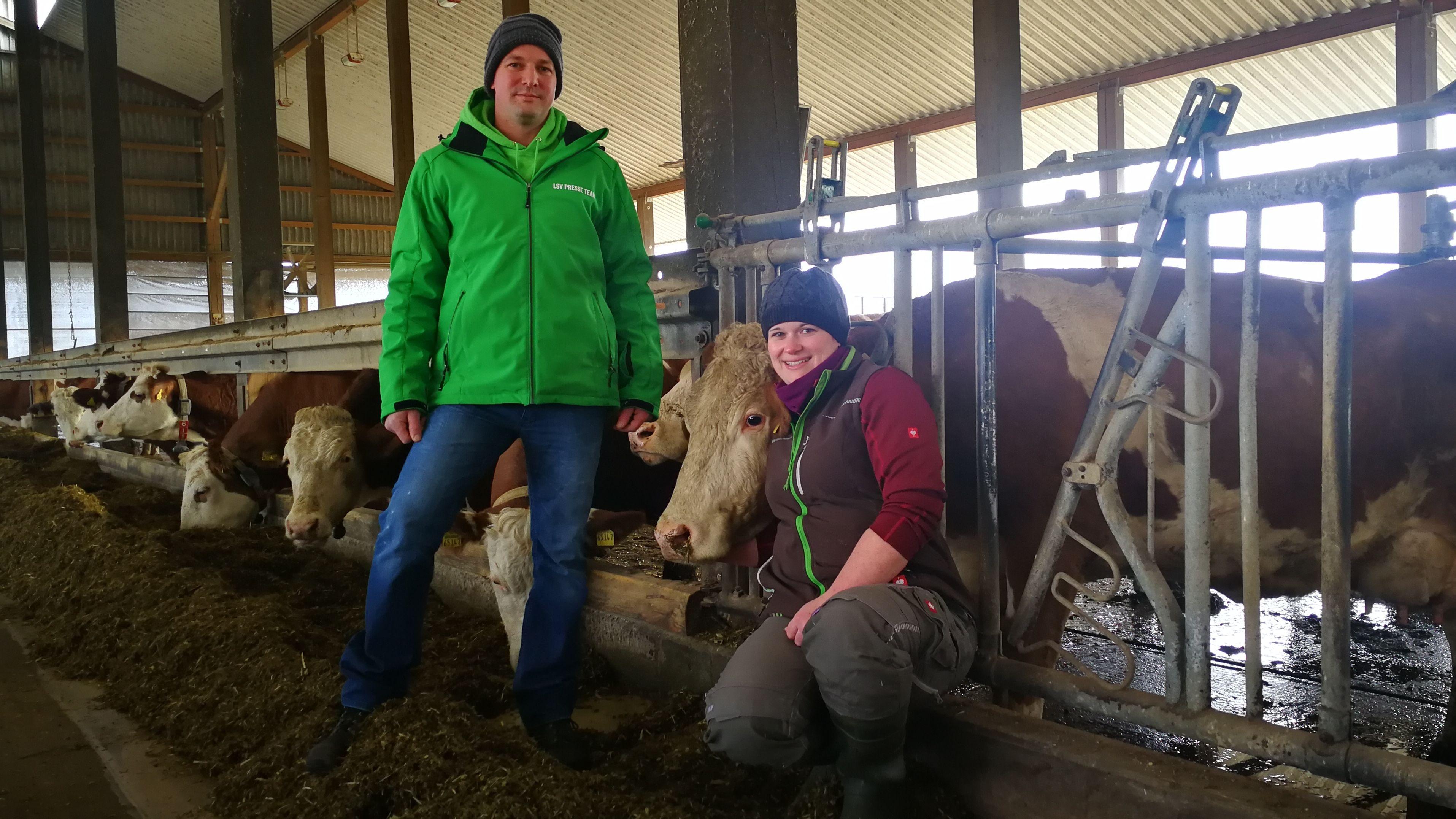 """Dominik Herrmannn, Landwirt aus Wolkshausen im Landkreis Würzburg und Sprecher der Initiative """"Land schafft Verbindung"""" in Unterfranken"""