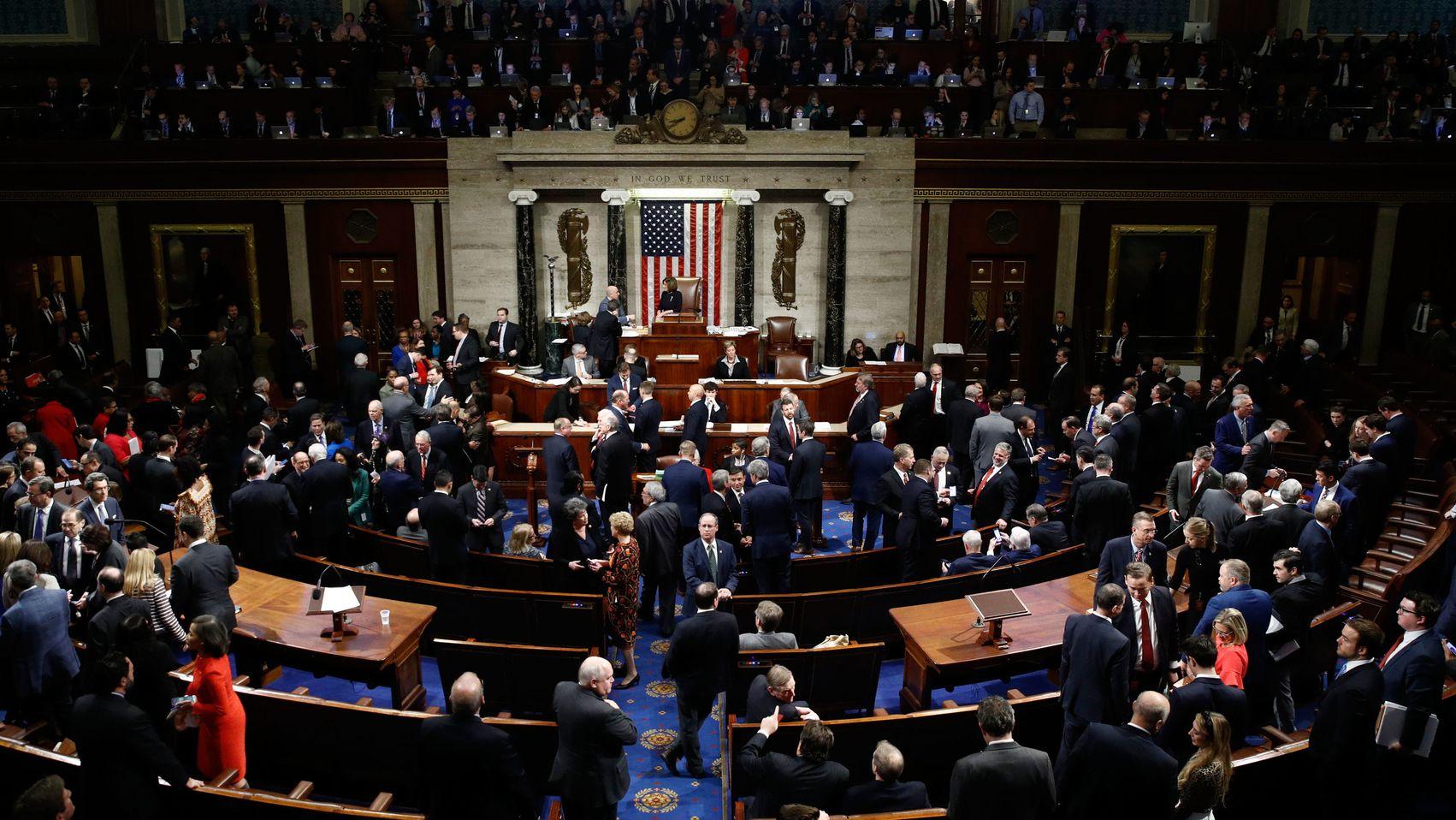 Abgeordnete stimmen im Repräsentantenhaus über die Eröffnung des Amtsenthebungsverfahrens gegen US-Präsident Trump ab.