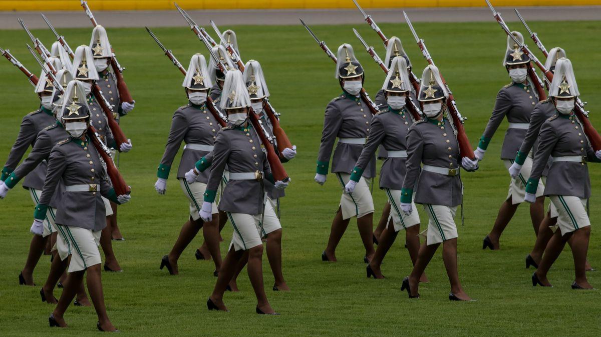 Mit Militärparaden zum Unabhängigkeitstag will die Regierung von der Misere im Land ablenken.