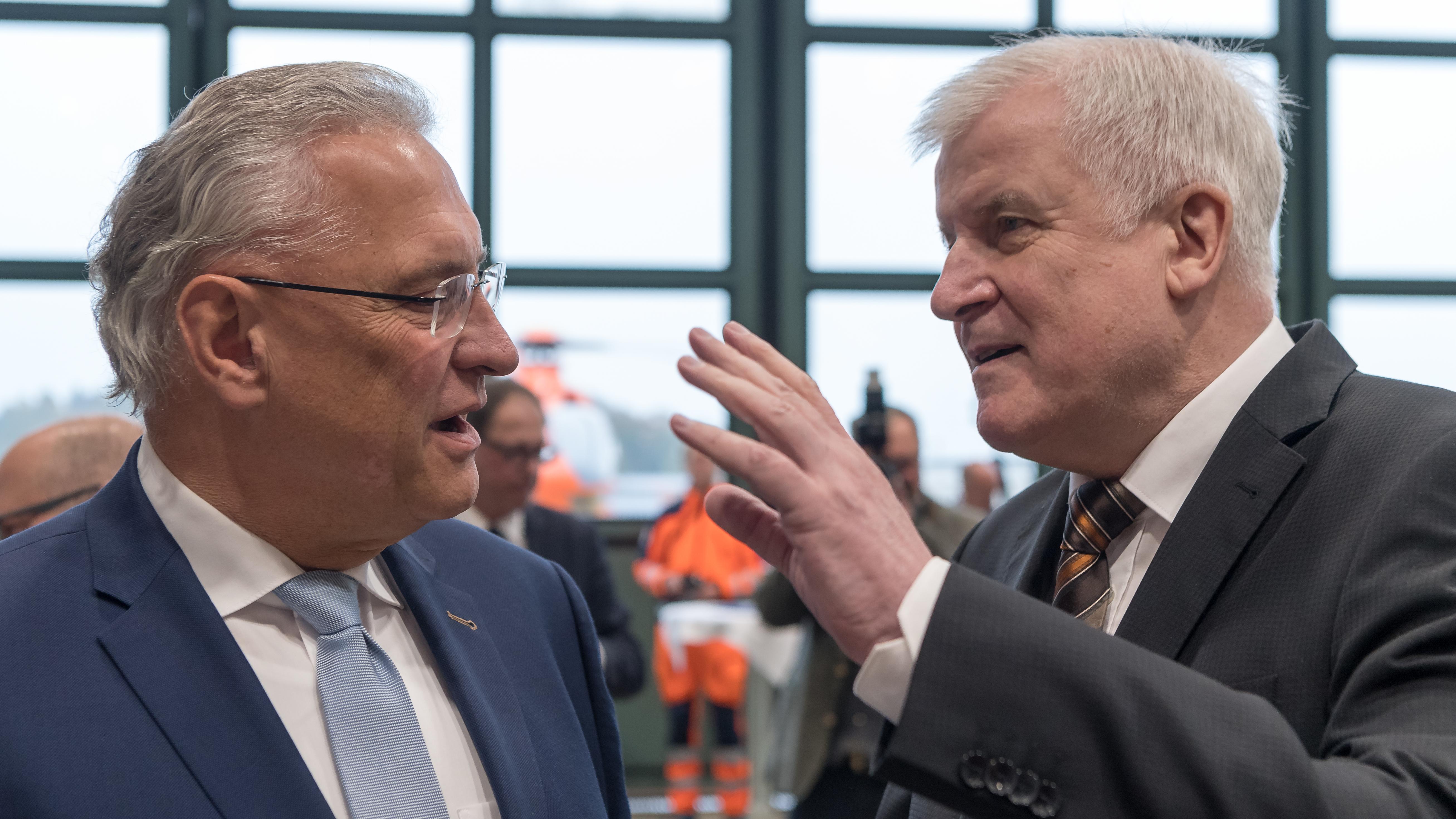 Bayerns Innenminister Joachim Herrmann und Bundesinnenminister Horst Seehofer