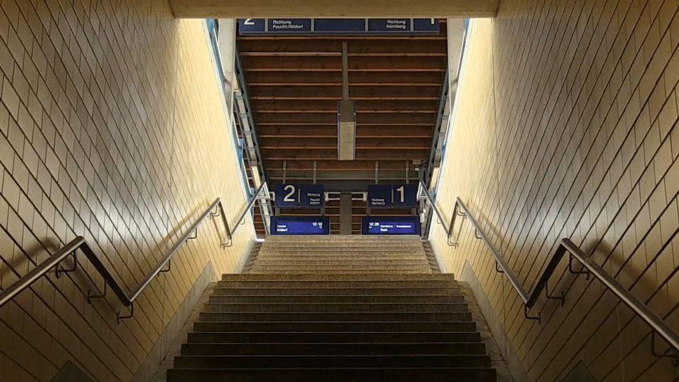 S-Bahnhof Frankenstraße: Hier gab es die tödliche Schubserei, bei der zwei Jugendliche starben.