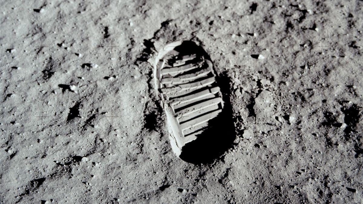 Fußabdruck, den Edwin Buzz Aldrin bei der ersten Mondlandung auf dem Mond hinterließ