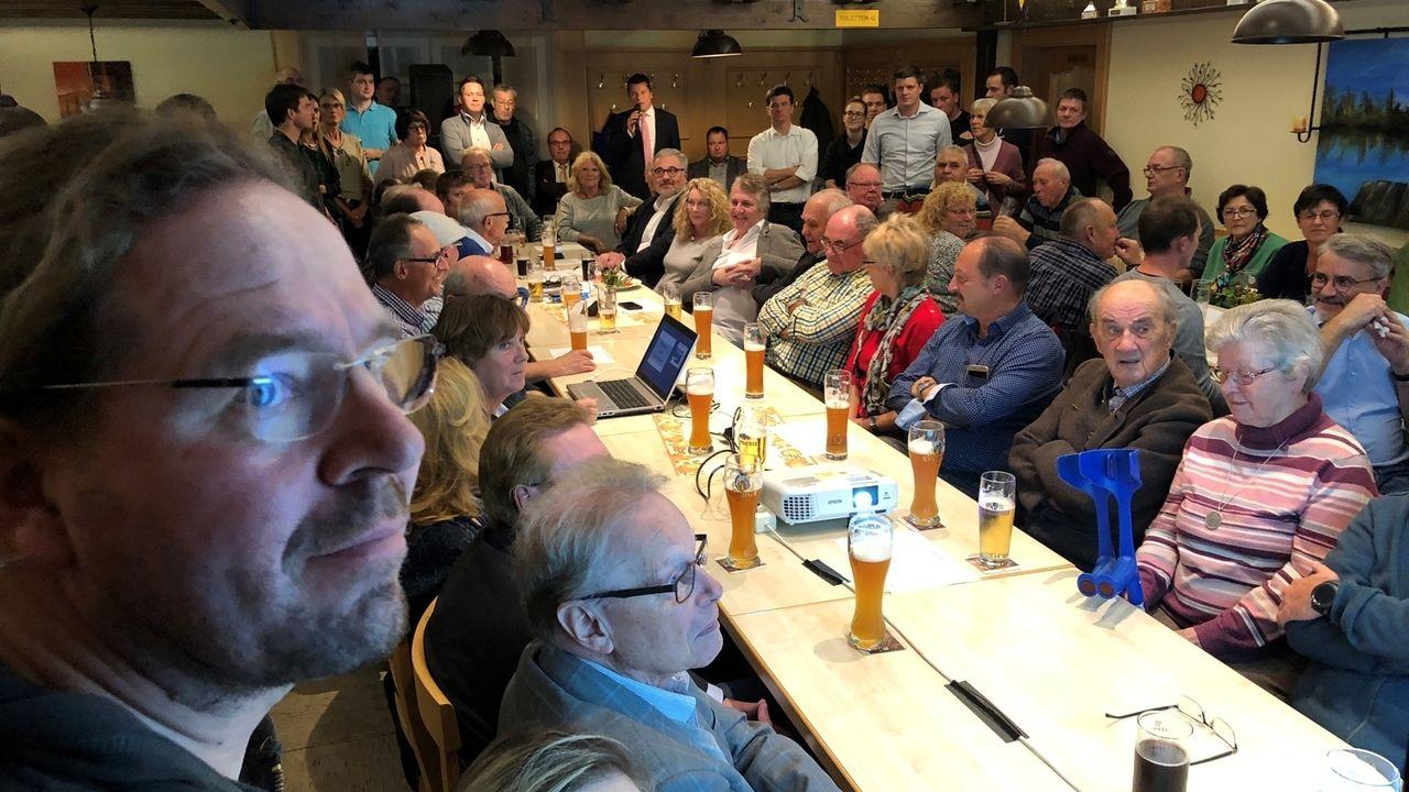 200 Gäste im Postsportheim in Hof.