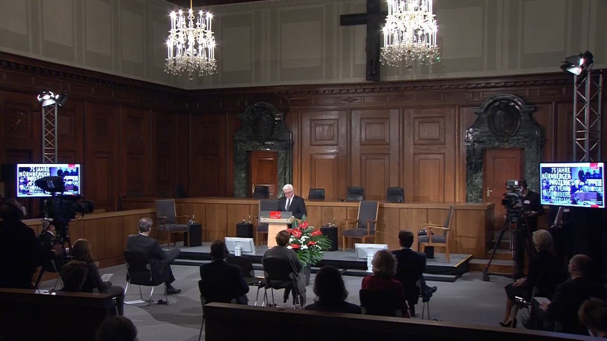 Bundespräsident Steinmeier bei seiner Rede im ehemaligen Gerichtssaal