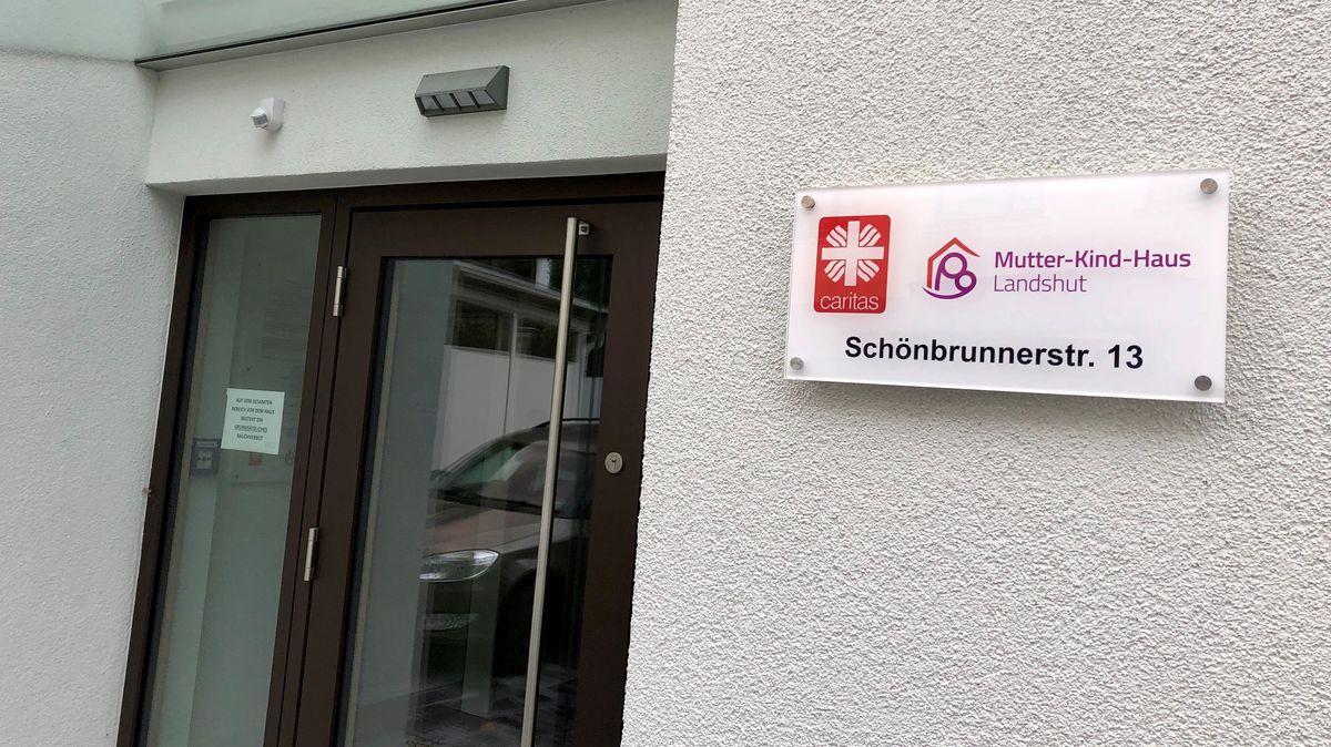 Der Eingang zum Mutter Kind Haus Landshut