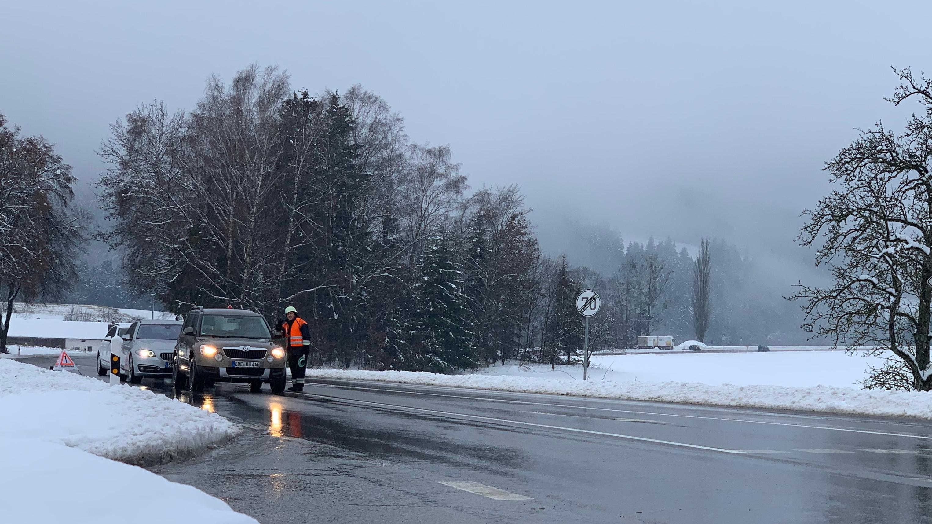 Straße bei Sankt Englmar im winterlichen Bayerischen Wald