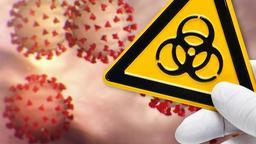 Im Hintergrund eine schematische Darstellung von Coronaviren, im Vordergrund eine behandschuhte Hand, die ein Schild für biologische Gefährdung hochhält. | Bild:picture-alliance/dpa, Montage: BR