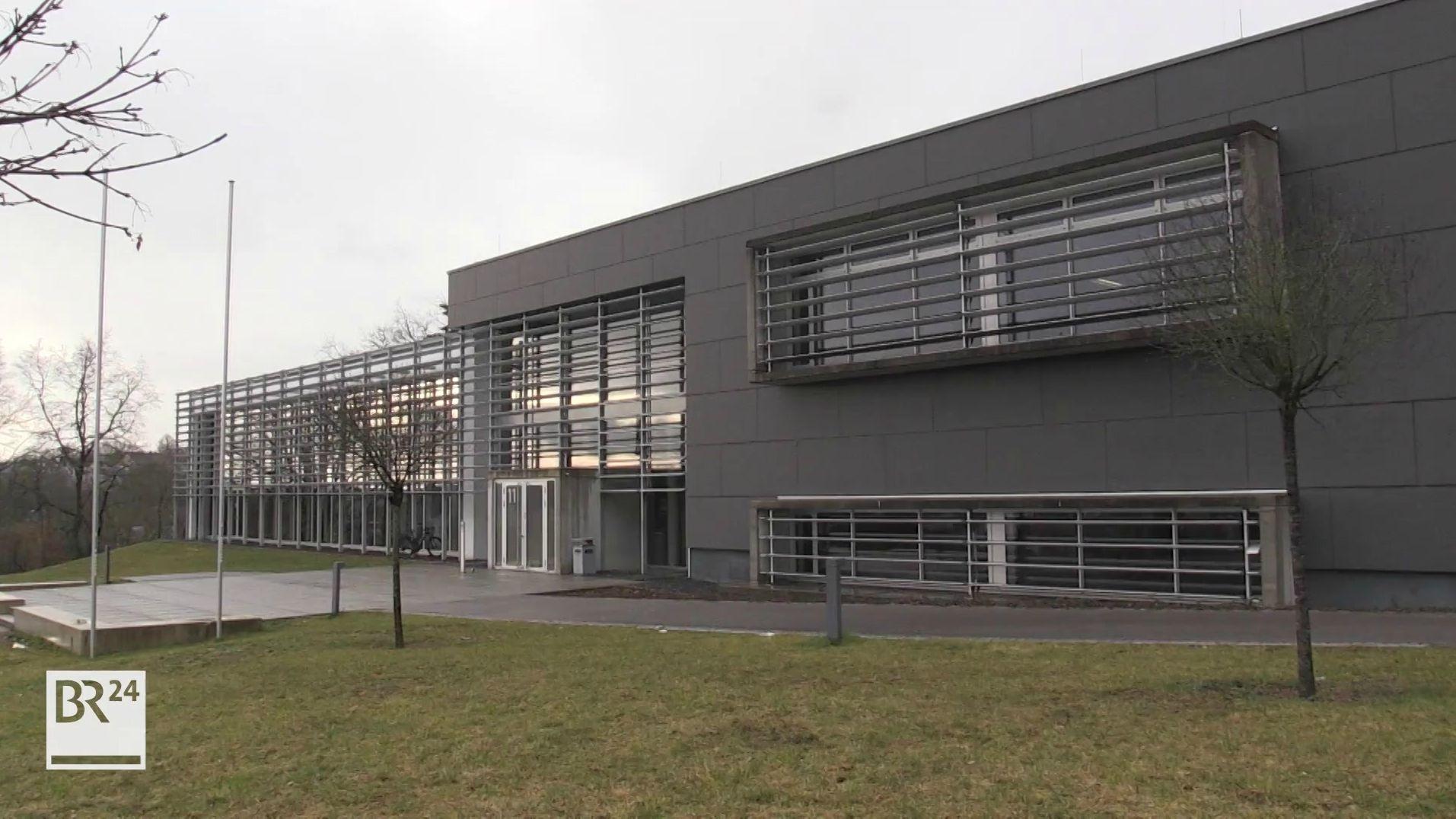 Die Hochschule Coburg von außen.