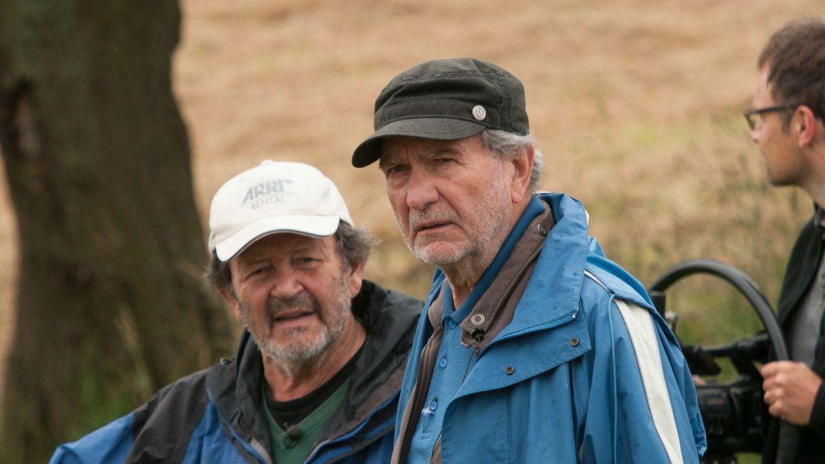 """Gernot Roll und Edgar Reitz bei den Dreharbeiten zu """"Die andere Heimat"""" 2013"""