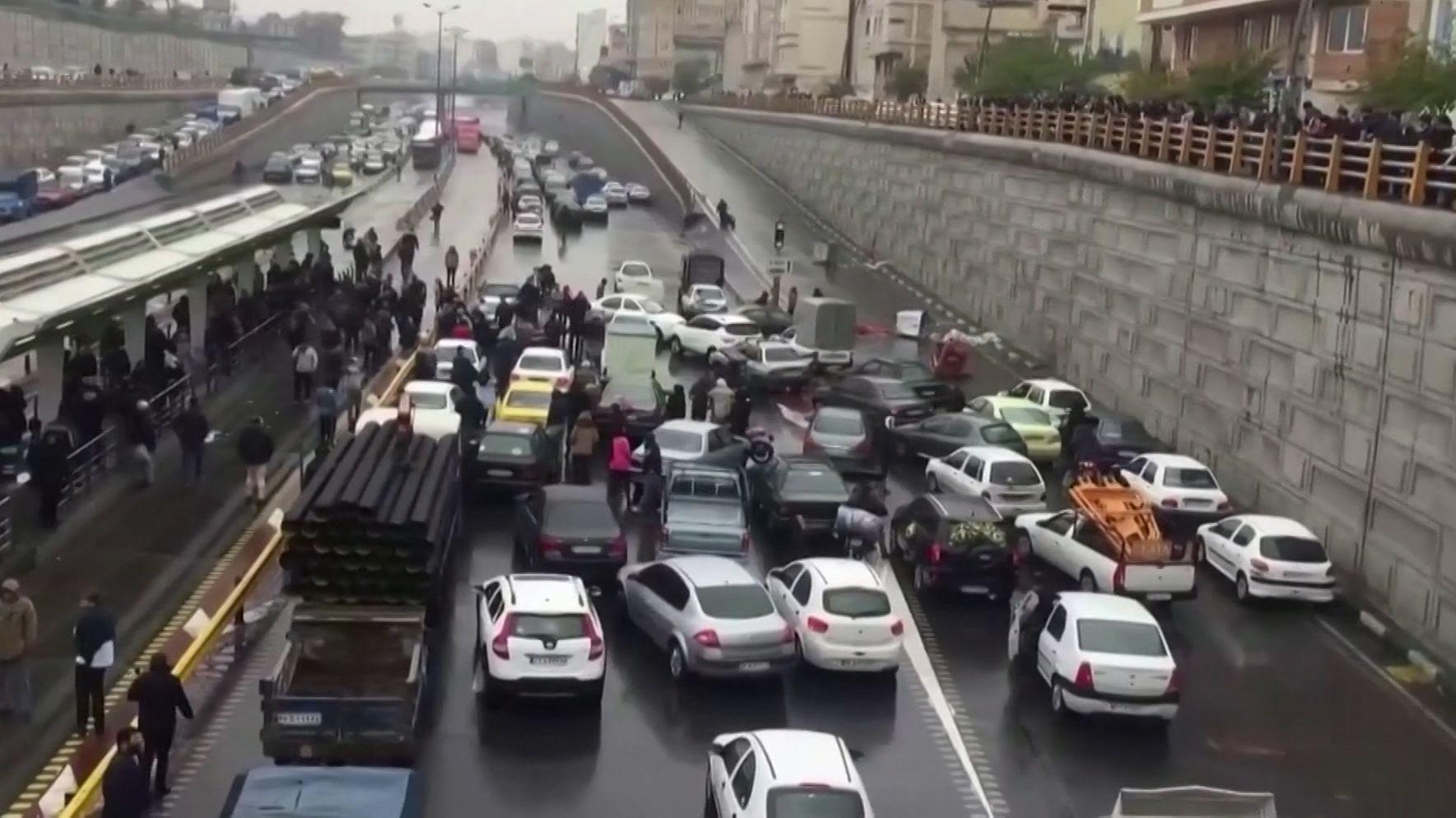 Ursache der Proteste: Die Erhöhung der Benzinpreise