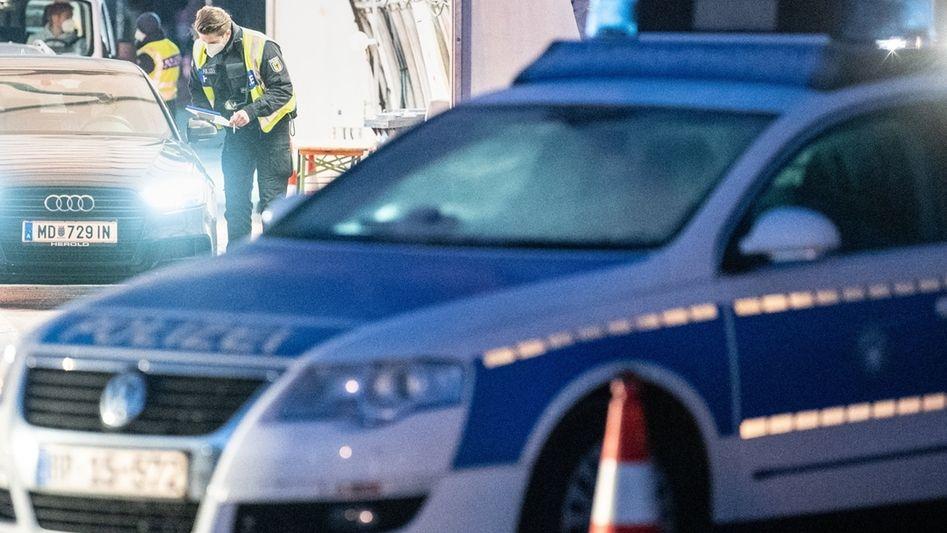 Grenze nach Tirol - Polizei -Symbolbild