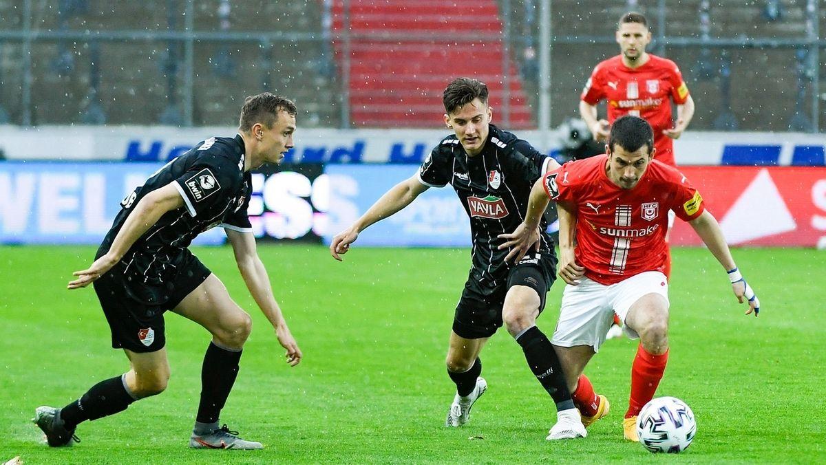 Spielszene Hallescher FC - Türkgücü München