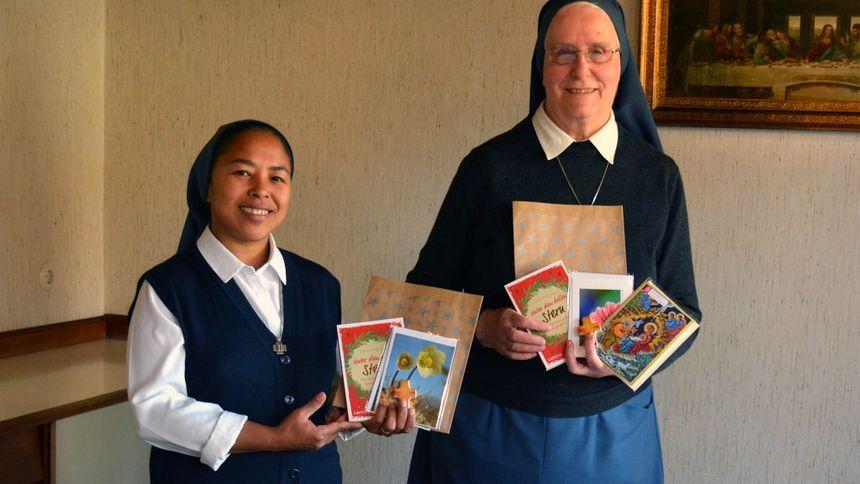 Sr. Virginie (l.) und Sr. Helene von den Paulus-Schwestern