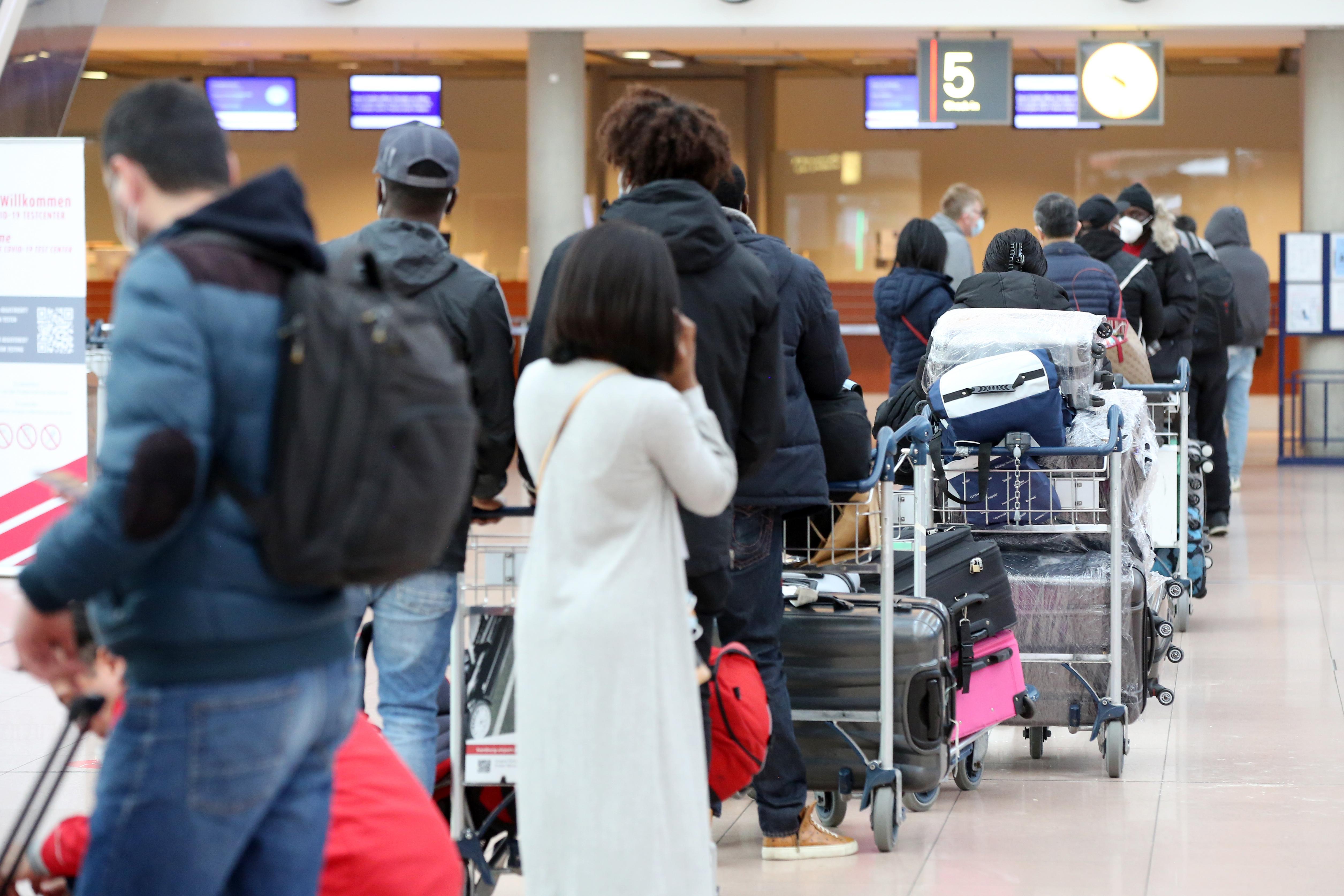 Seehofer: Verzicht auf Auslandsreisen