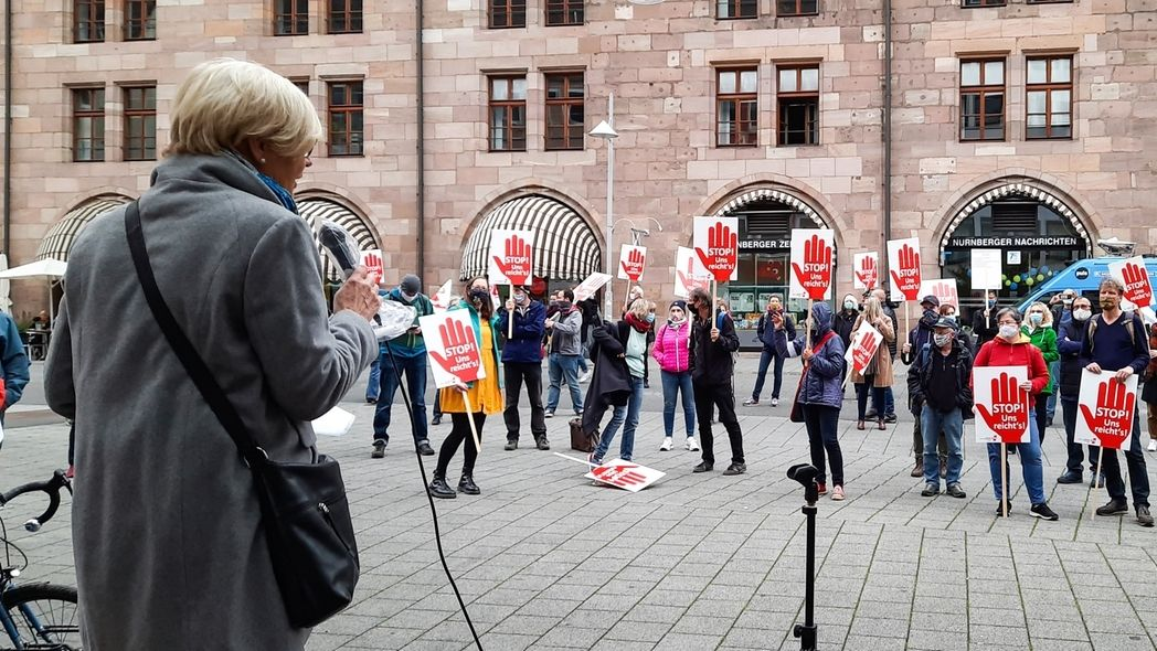 Lehrer demonstrieren in der Nürnberger Innenstadt