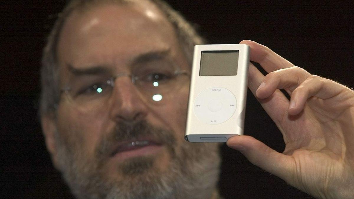 Steve Jobs mit iPod