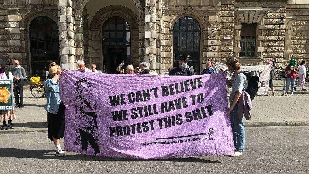 Frauen demonstrieren für das Recht auf Abtreibung