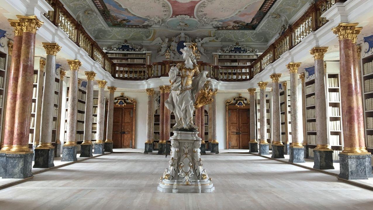 Barocke Klosterbibilothek in Ottobeuren