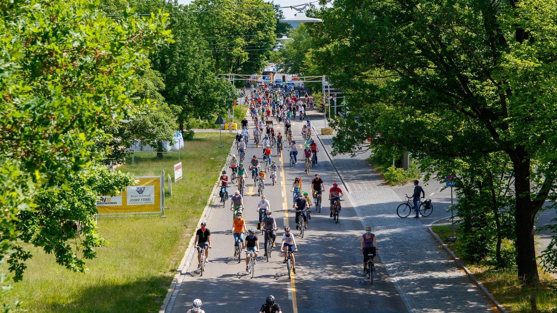 Fahrraddemo in Nürnberg für mehr Sicherheit im Straßenverkehr