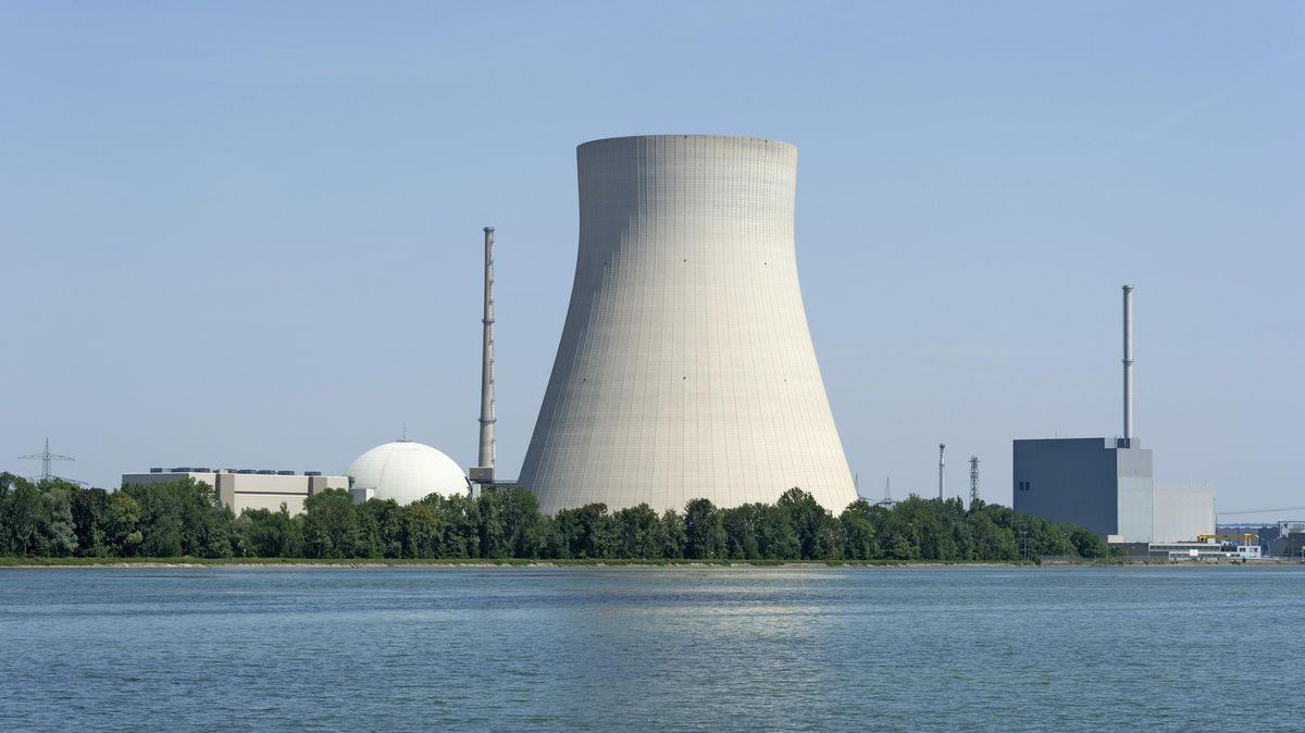 Das Kernkraftwerk Ohu an der Isar bei Landshut