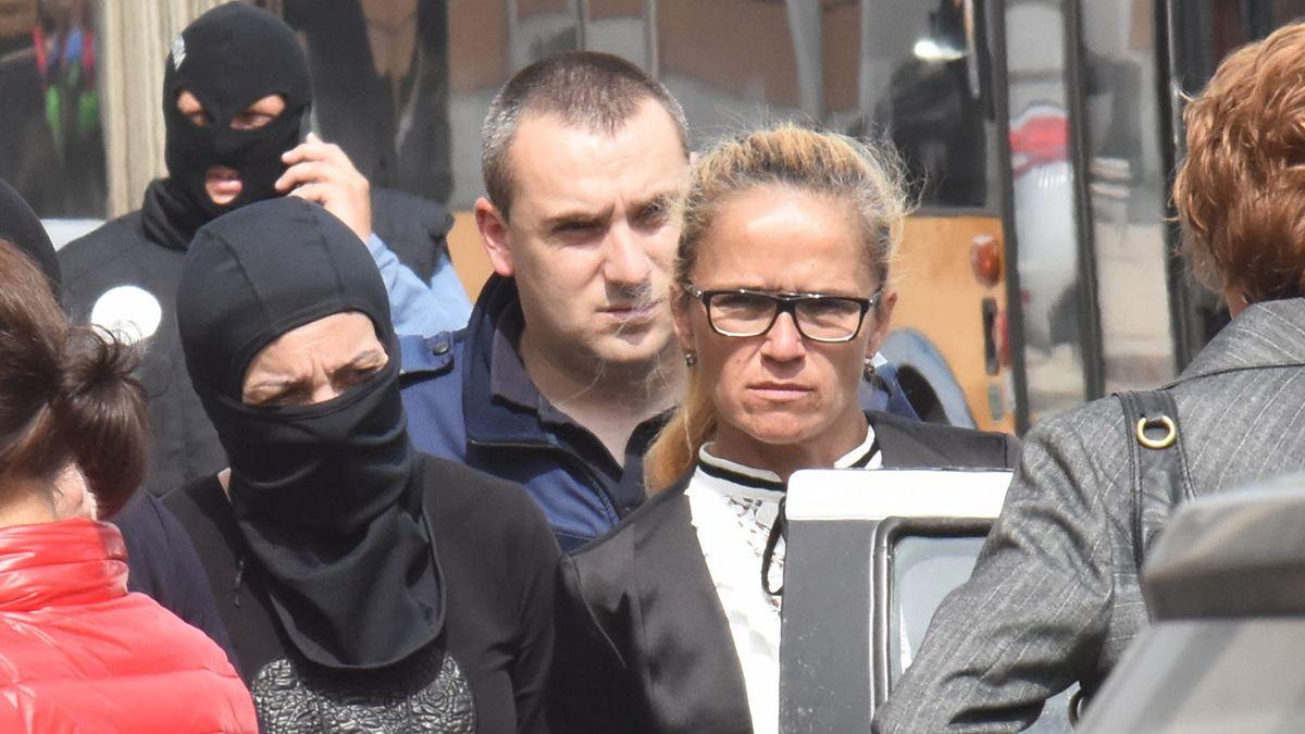 Dessislawa Iwantscheva bei ihrer Festnahme am 17.4.2018 in Sofia. Sie ist damals parteilose Bezirksbürgermeisterin des Sofioter Viertels Mladost.