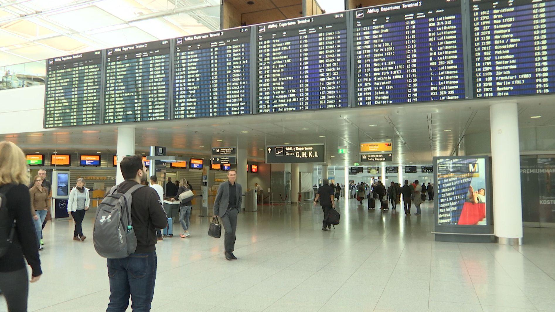 Warnstreik der Flugbegleiter: In München fallen wenige Flüge aus